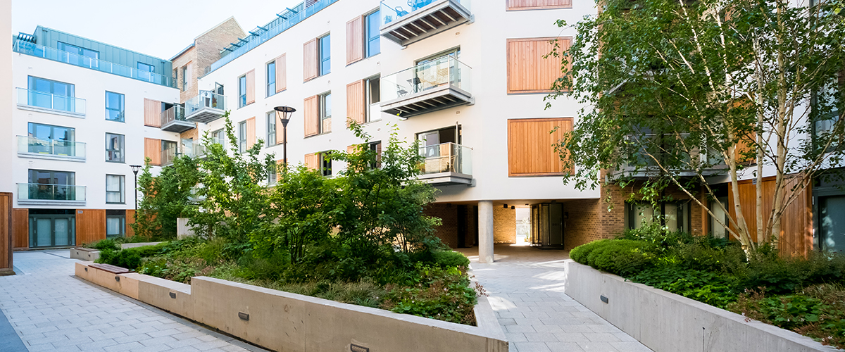 Wapping Wharf Living Courtyard